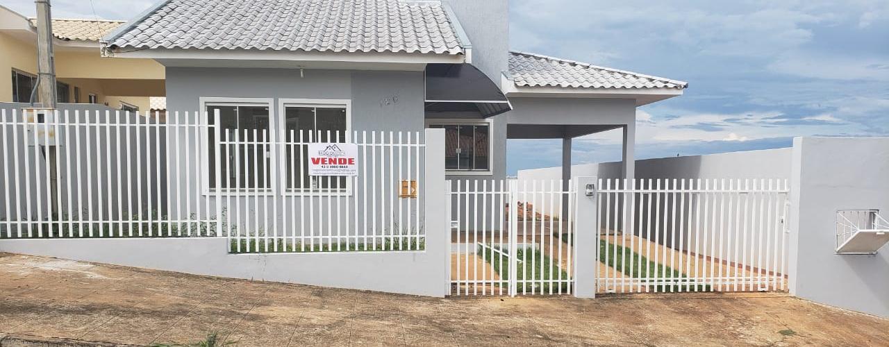 Vende-se casa com piscina, casa com 120m² + 25m² edícula.